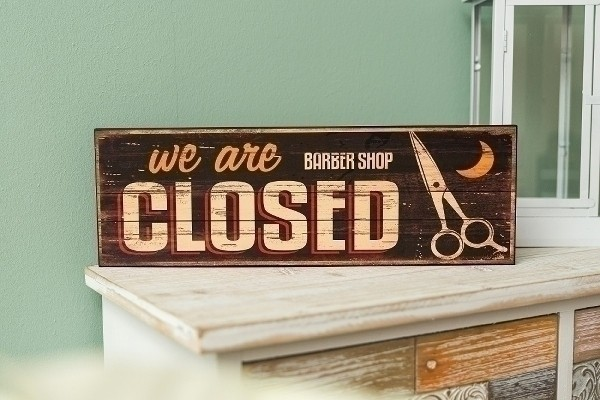 Holzschild We are closed II